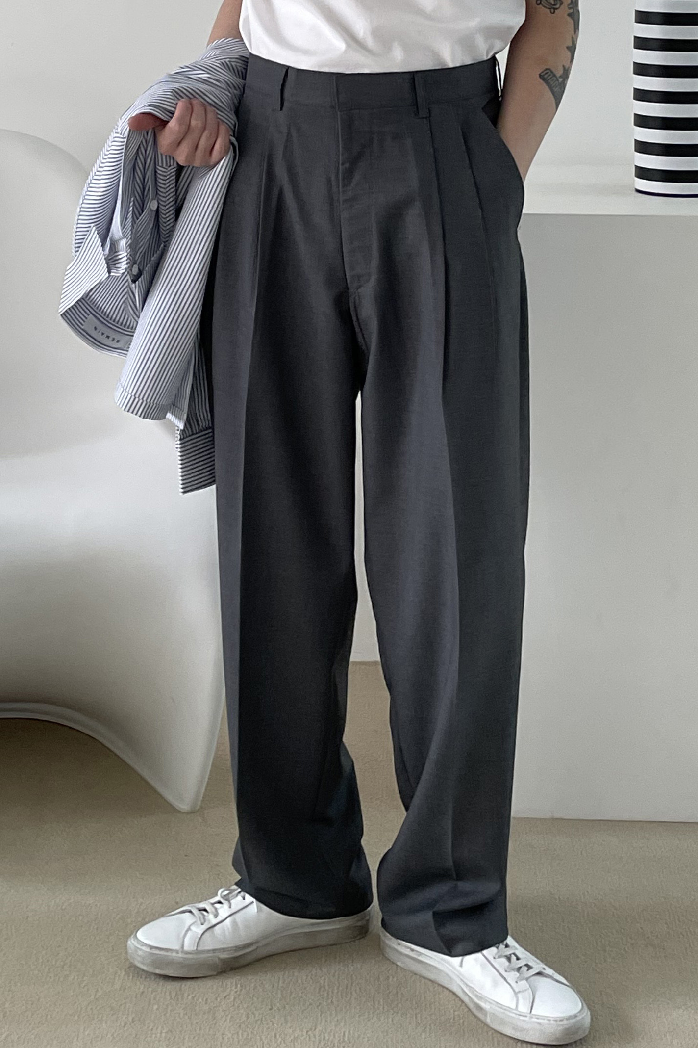 ANSWER/ Two Tuck Semi Wide Pants