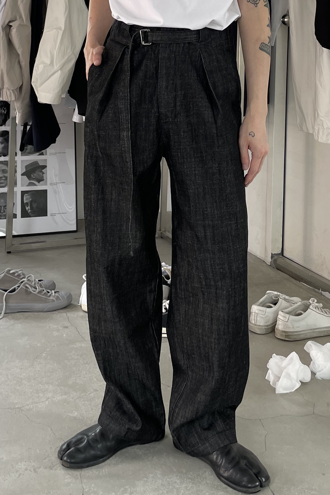 RUN/ Belted Denim Pants